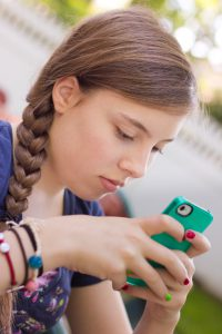 Engaging adolescents in healthy lifestyle choices through smart technologies